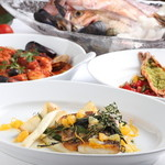 トラットリア セッテ - Taste of Italy – 「海の幸」でイタリアを巡る (6月~8月) 今年のトラットリア セッテは食の国イタリアならではのバラエティに富んだ様々な美味をご紹介しています。春のパスタに続き、夏は「海の幸」がテーマです。