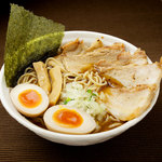 醤道 - 道ラーメン(味玉・極焼豚)