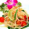 青パパイヤのヘルシーサラダ:ソムタムタイ(Spicy Green Papaya Salad)