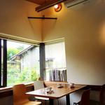 カフェ キトキ - 店内