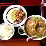 但馬ラーメン春日森店 - 料理写真:唐揚げ定食