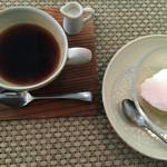 エヴ? - ホットコーヒーとグレープとヨーグルトのシャーベット