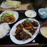 51933652 - 酢豚定食 750円(税込)