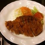 習志の - 豚カツ定食(豚ロース肉):豚カツ+サラダ