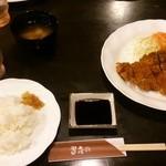 習志の - 豚カツ定食(豚ロース肉):1200円