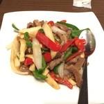 喆祥房 - 三種のパプリカと細切り牛肉炒め