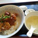 中華料理 虎福 - 豚角煮丼:750円