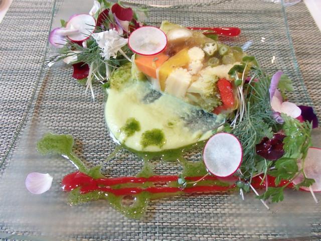 レストラン ピウ - 12品目の野菜のテリーヌ、イタリアン産ピゼッリと大葉のソース
