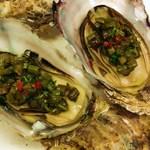 ビストロ じゅん - 季節料理    殻付蒸し牡蠣