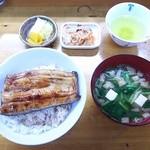 源八 - うな丼1/2尾¥1400