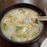 龍記 - 野菜とエビお粥