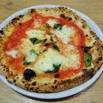 Trattoria Pizzeria LOGIC - マルゲリータ\980(16-06)