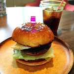 グレイビーバーガー - カマンベールチーズバーガー800円