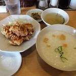 51946303 - 「鶏唐揚げ&香港粥セット定食」(650円込)(2016年6月)