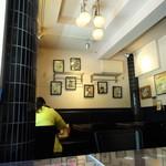 ブリティッシュ インディアン カフェ1930 - テーブル席
