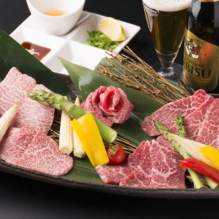 肉寿司に黒毛和牛!前菜からデザートまで楽しめるコースで