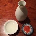 51952737 - 1杯目:大盃 純米 馥露酣(ふくろかん) 高崎市牧野酒造 1合 650円(税抜) お通し:梅クラゲ