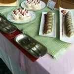 カーメル - プリン、苺のショートケーキ、抹茶のロールケーキ
