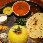 南インド料理 葉菜 - ノンベジミールス1000円