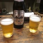 法善寺横丁 やき然 - まずはビールで乾杯