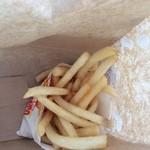 さくら号 - 料理写真:ちょっと油っこいポテト
