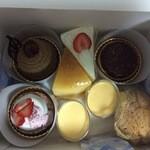 ブレゾワ - 料理写真:美味しそうなケーキ達♪