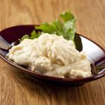 山本のハンバーグ - 「ゴルゴンゾーラ風味のポテトサラダ」ほんのりブルーチーズの香りが口の中に。ワインもいける一皿かな。