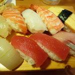 や台ずし - お寿司盛り合せ(梅)