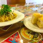 Cafe Contigo - パスタとフォカッチャ  サラダ、スープ、クランベリージュースでランチが1000円なんです〜(*^_^*)