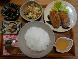 喫茶悠美 - この日のおばんざいランチ(860円)