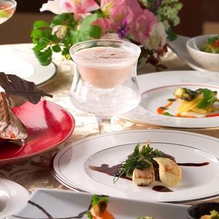 フランス料理に和の要素を取り入れた創作料理