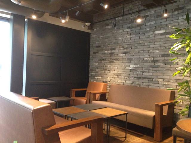スターバックスコーヒー 表参道b Side店 Starbucks Coffee 明治