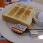 51974103 - トースト&ゆで卵セット