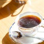 カフェ ペルシッカ - ペルシッカのコーヒーは1つ1つ挽きたて淹れたて。コーヒーが最も美味しく抽出できるタイミングを緻密に計算し、お出ししています。