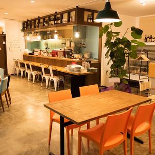 ゆっくりと寛げる空間で、おしゃべりとお食事を楽しんで下さい