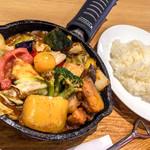 キャンプエクスプレス - 一日分の野菜カレー 990円