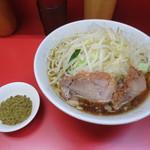 ラーメン二郎 - 小ラーメン(少なめ)/ふりふりカレー