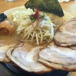しゃがら - 料理写真:ちゃーしゅう麺(大盛)壊れ味玉・玉ねぎ830円