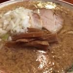 らーめんどっぽ - 料理写真:らーめん700円(大脂・太麺)