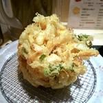 国産二八蕎麦 蕎香 - 大きくて丸いかき揚げ