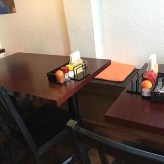 広々としたテーブル席★