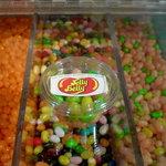 クレープ クランベリー - 『JellyBerry』です。50種類の味が楽しいアメリカのお菓子です。