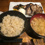 居酒屋ぼうず - 塩麹桃豚の炭火炙り定食