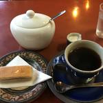 光原社 可否館 - クルミクッキーおコーヒーで635円