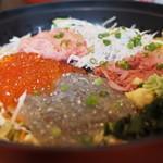 とびっちょ - 5色丼