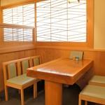 与多呂 - 4人掛けテーブルも2卓あります
