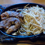 ステーキサロン・カウボーイズ - ステーキ170g-¥1690(マスターいわく小食向き)