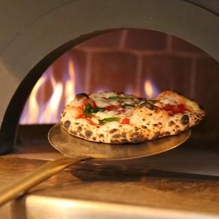 石窯焼で美味しい本格ナポリピッツァ