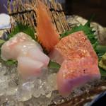 Tenkuunotsuki - 長崎産のホウセキハタと千葉産の金目鯛の刺身