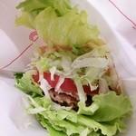 52011552 - モスの菜摘・モス野菜・オーロラソース仕立て ¥360、少しだけZoom!!!(ハンバーガーの撮り方、うまくなりたいです・・・)